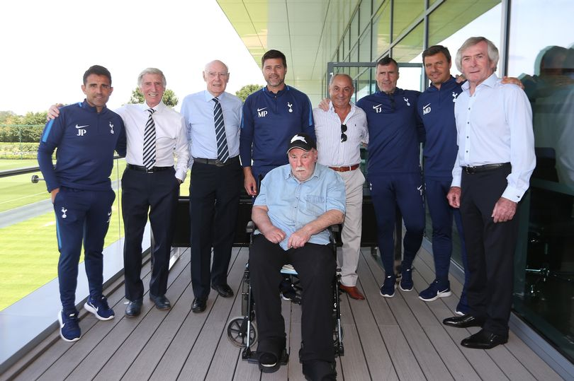 Jimmy-Greaves-at-Hotspur-Way-today.jpg