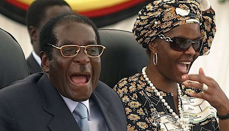 Robert-and-Grace-Mugabe-laughing.jpg