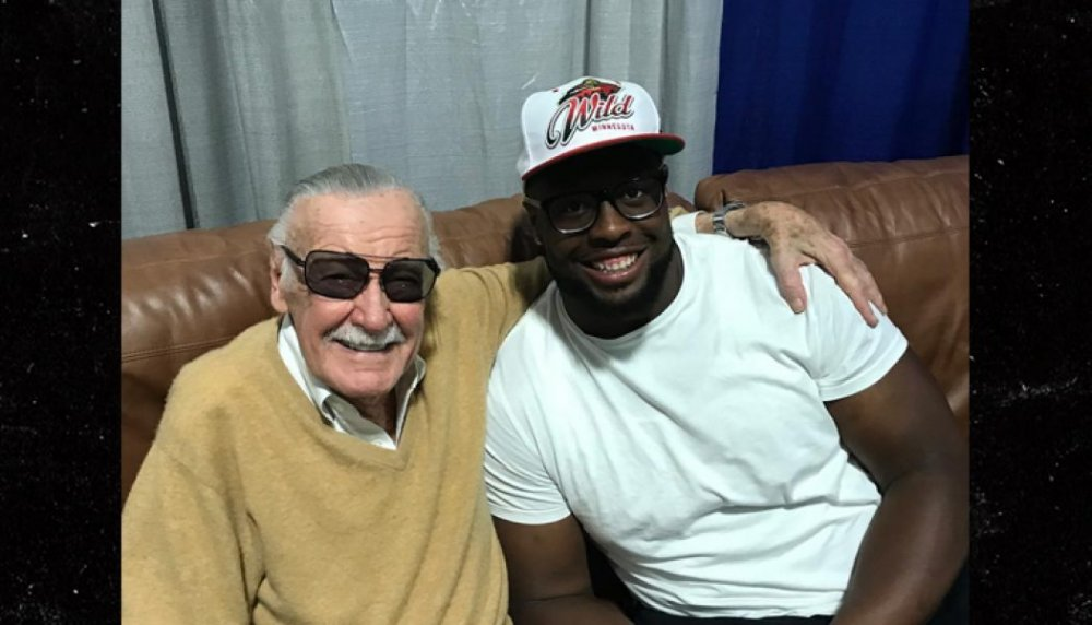 tampa-bay-bucs-star-gerald-mccoy-excited-to-meet-goat-stan-lee-1050x600.jpg