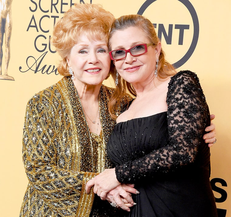 1422240146_462201260_debbie-reynolds-carrie-fisher-zoom.jpg