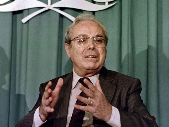 Former-UN-Secretary-General-Javier-Perez-de-Cuellar-_170a8e5ee0d_medium.jpg.db5a2537eb311010aa19d190e4a42e84.jpg